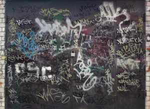4 Reasons to Remove Graffiti from Your Business